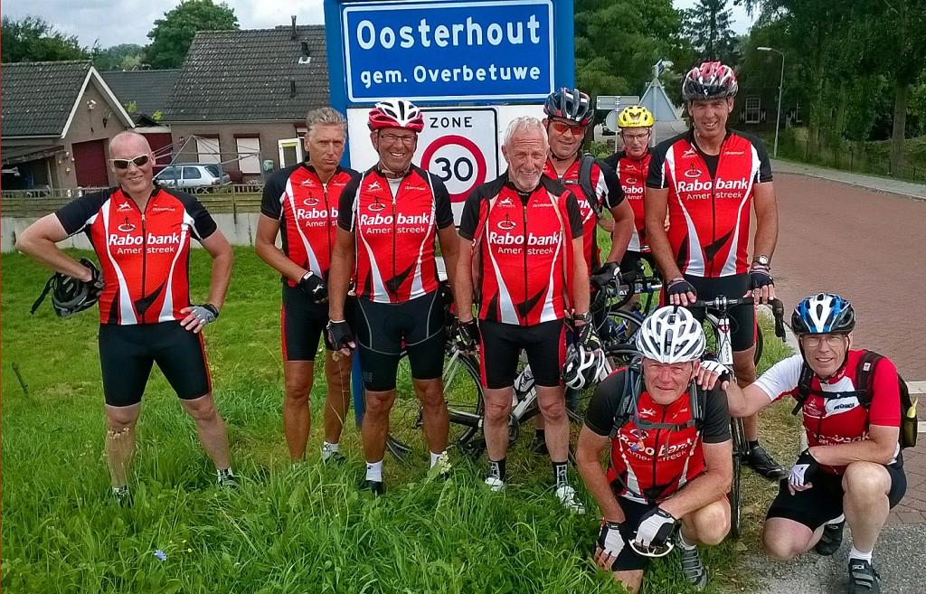 20 augustus fietsten deze kanjers 230 km van Oosterhout naar Oosterhout Gld en terug.